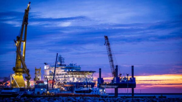 """El buque instalador de tuberías ruso """"Akademik Cherski"""""""